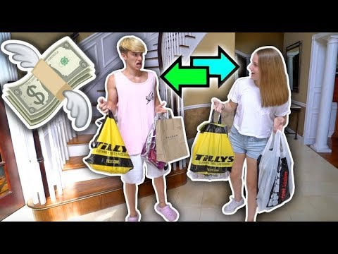 SISTER & I BUY EACH OTHER OUTFITS!