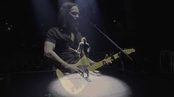 "Myles Kennedy performs ""Hallelujah"" with Jeff Buckley's Fender Telecaster."