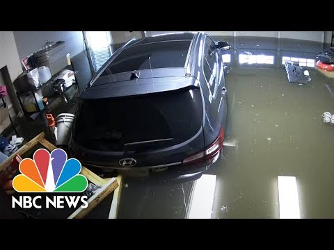 Time-Lapse Video Of Hurricane Harvey Floodwaters Rising  | NBC News