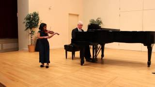 Indian Hill Music - String Recital  - 2/1/14 - Minuet I - Anamika Mani