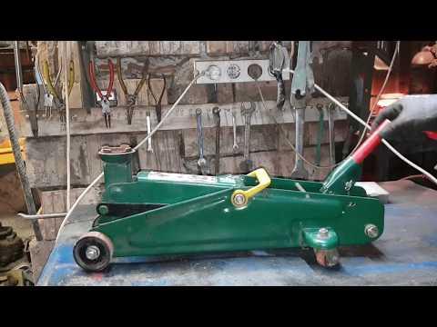 How To Fix A Hydraulic Car Jack - Hydraulic Jack Repair. (Cum Sa Repari Un Cric Hidraulic)