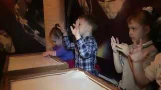 Детский сад «Жемчужинка» - рисование песком(Видео детского сада