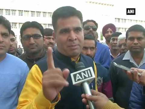 National Anthem disrespect issue: BJP leader Ravinder Raina demands apology from Opposition