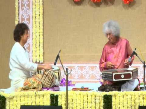 Legendary maestros Pt. Shivkumar Sharma and Ust. Zakir Hussain in concert
