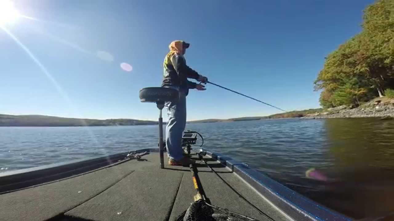 Lake wallenpaupack bass fishing youtube for Lake wallenpaupack fishing