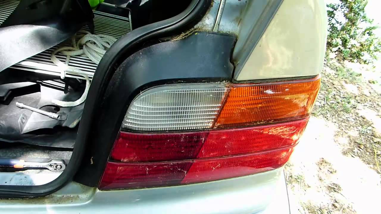 Comment D 233 Monter Les Feux Arri 232 Re Sur Bmw E36 Youtube