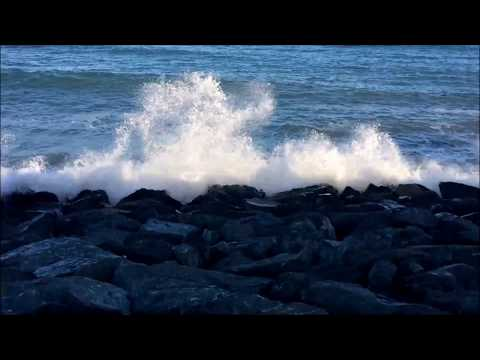 Ocean Waves Soothing View and Sound - Relaxing Sleep Sound