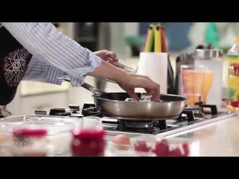choumicha-:-recette-de-pizza-aux-oignons-en-sauce-rose- -شميشة-:-بيتزا-بالصلصة-الوردية-والبصل