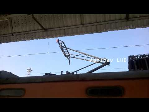 INDIAN RAILWAYS | 25kV AC Electric Locomotive WAP4 PANTOGRAPH RAISING
