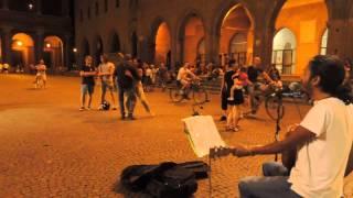 Edwin LOSING MY RELIGION busking Rimini (RN) 29/07/2013