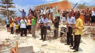 Clipe Revolução do Amor - Haiti