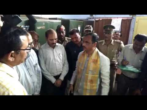 Deputy CM Dinesh Sharma's Sudden Inspection in DIOS Office Agra