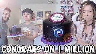 CONGRATS EM 1 MILHÃO | Todo mundo recebe uma mordida do bolo | Família Fortnite