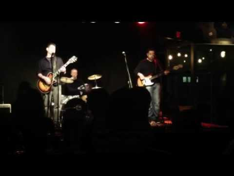 Doghouse playing at Mexicali Live Showcase 1-7-15