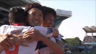 ゴール前でフリーになった森重 真人(FC東京)が左後方からのFKを右足で...
