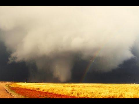 4/8/15 - Medicine Lodge, KS Tornado - Time Lapse & Chase Video