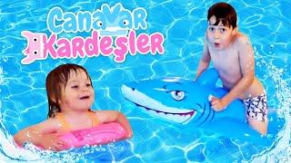 Çocuk oyun videoları. Canavar Kardeşler havuzda! Havuzda ve jakuzide eğlence zamanı!