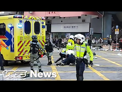 Hong Kong Police Shot a Protester in the Stomach on Facebook Live