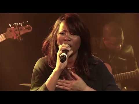 """Sandra Mbuyi - Maloba Ezanga Te Live  """" Vidéo Officielle"""""""
