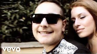 Смотреть клип Rocco Hunt - L'ammore Overo