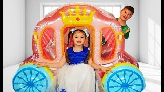 Dominika Play with Princess Carriage Inflatable Toy