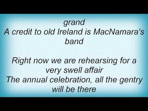 Bing Crosby - Macnamara's Band Lyrics_1