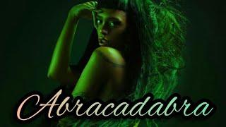 Смотреть клип Urias - Abracadabra