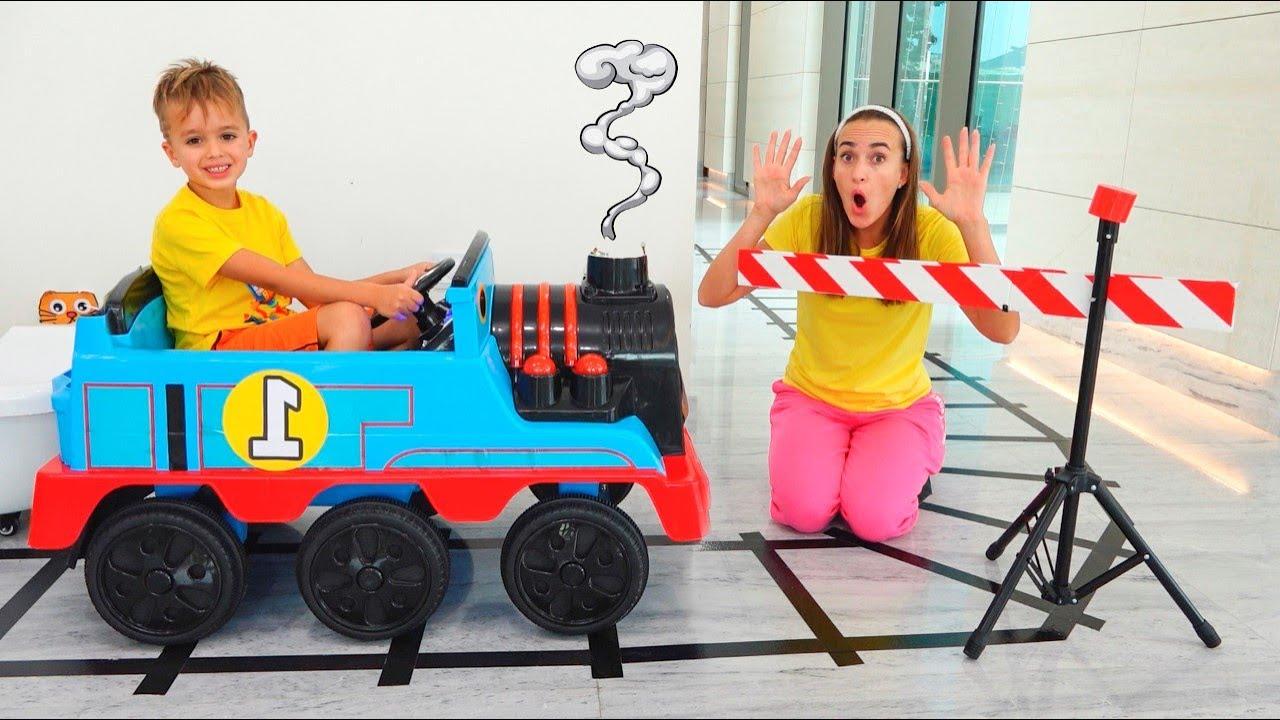블라드와 니키가 아기 크리스와 놀아요  어린이를 위한 재미있는 비디오