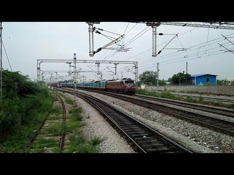 Offlink humsufar  , rajdhani,  cocanada and many more.  Highspeed morning railfaning  at cherlapalli