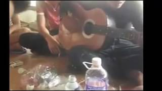 Guitar Cover : Quên Em Trong Từng Cơn Đau Của Anh Chàng Say Rượu