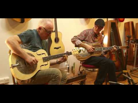 Robbie McIntosh & Michael Messer -  Buckets Of Rain Live at The North American Guitar