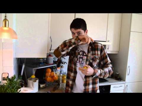 Hot lemon water with turmeric detox juice