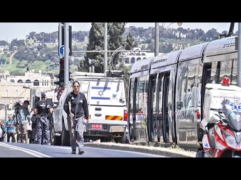 פיגוע דקירה ברכבת הקלה בירושלים (14.4.17)