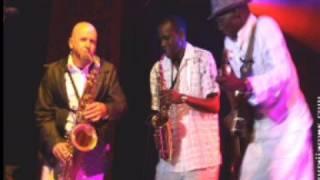 Oliver Mtukudzi & Steve Dyer - Ndiwe Muroyi