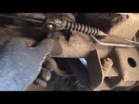 Большой ремонт стояночного тормоза KIA Sorento.