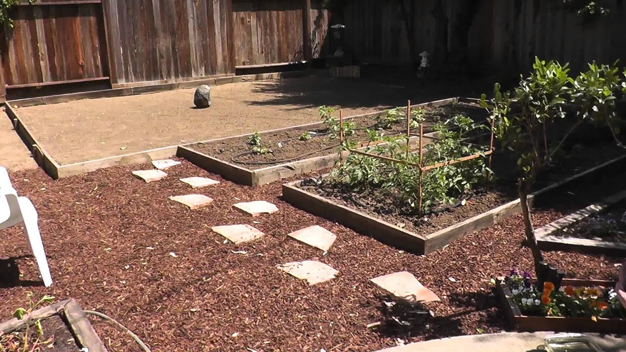 Backyard Garden Water Fountain - YouTube