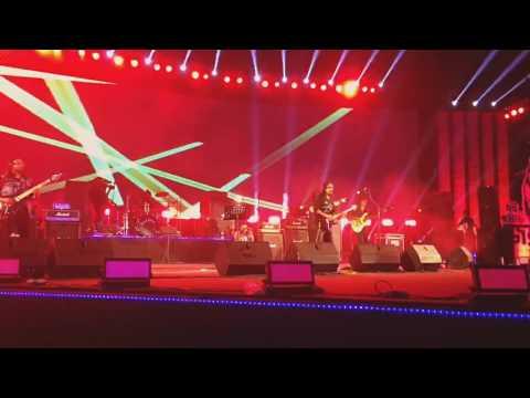 Warfaze-Boshe Achi Eka- Joy Bangla Concert 2017