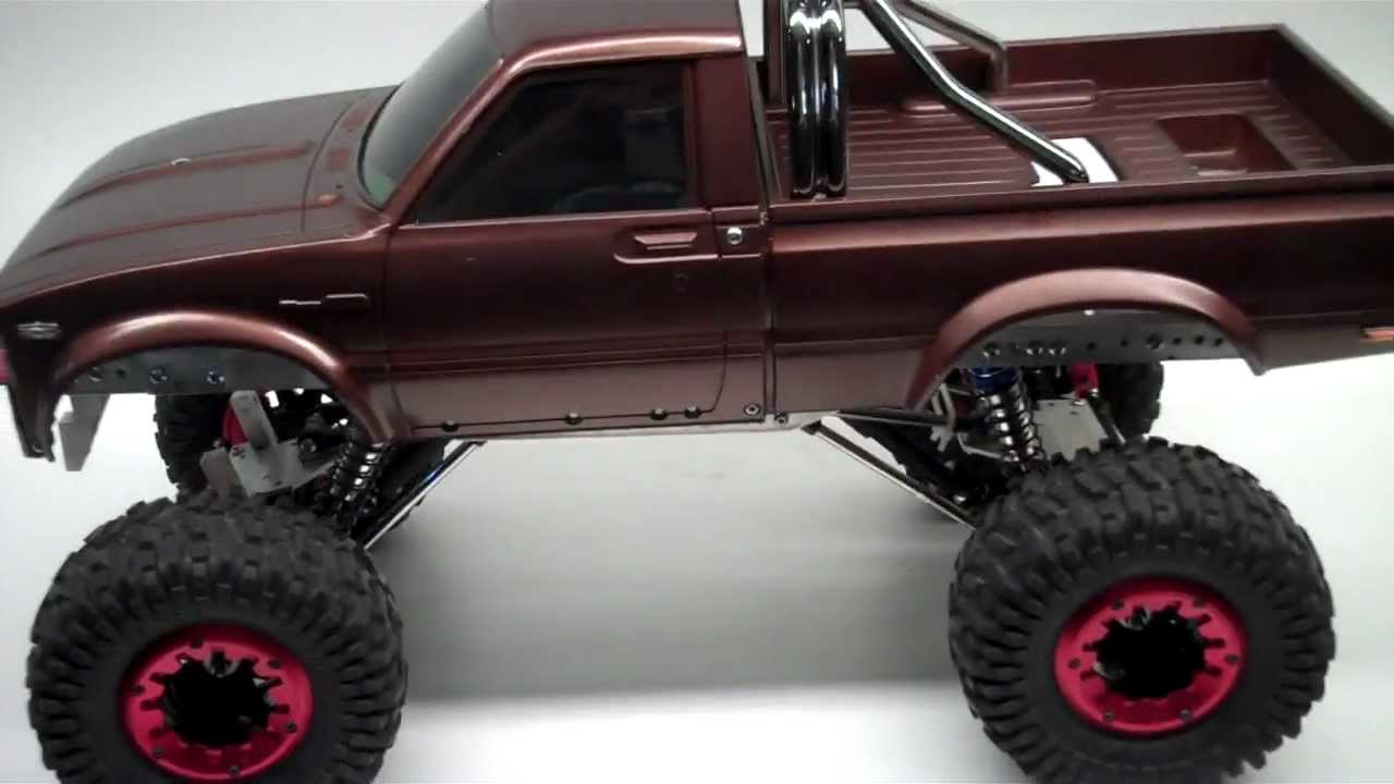 Toyota Hilux Rc Rock Crawler Axial Youtube