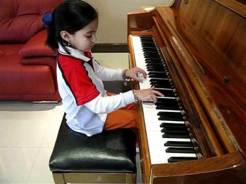 Diabelli - Sonatina Op 168 No 1 Rondo 3rd mvmt Piano Ale (6) practicando