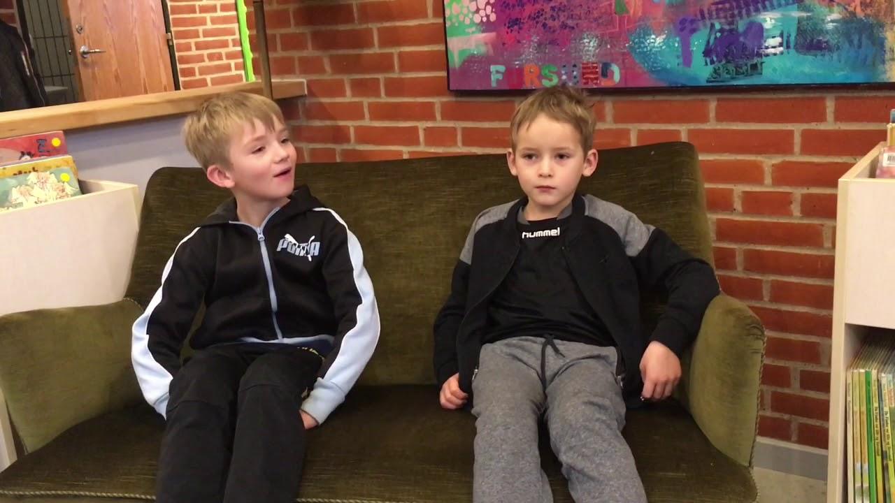 Drengene Fortæller Lidt Om Skolen Og Kunsten 55 Sekunder