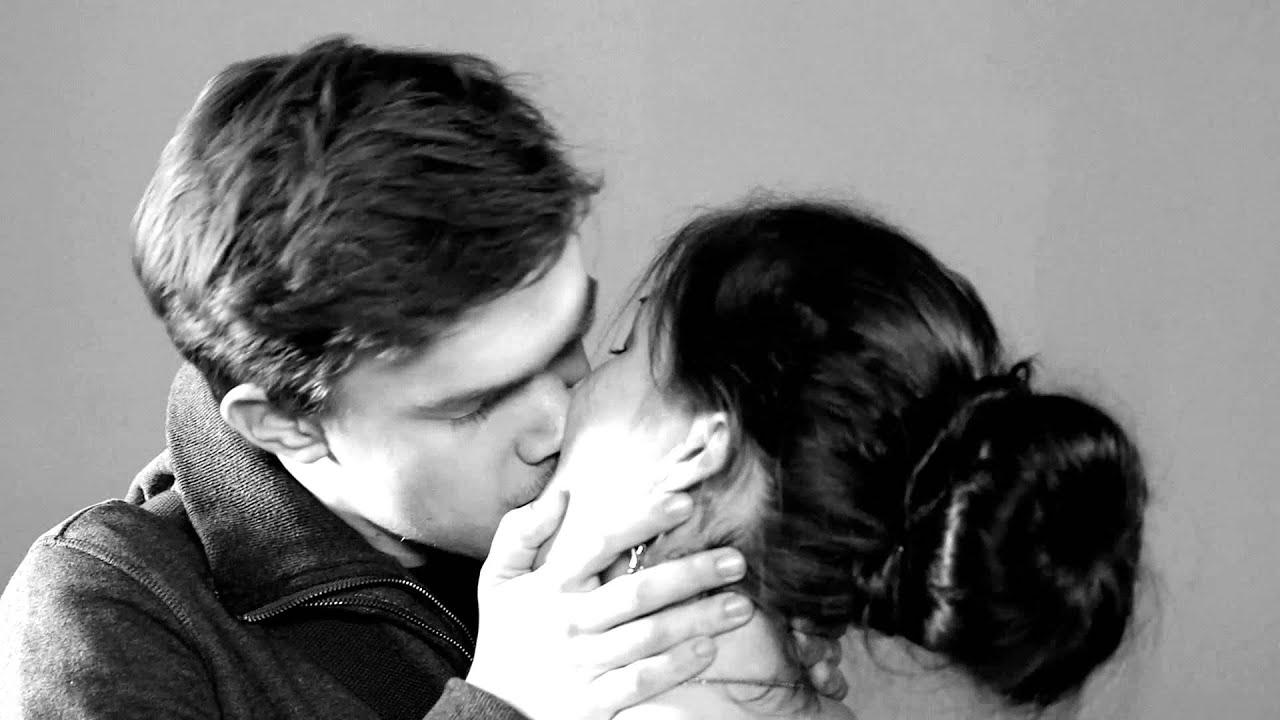сниться незнакомцем с к страстный чему поцелуй