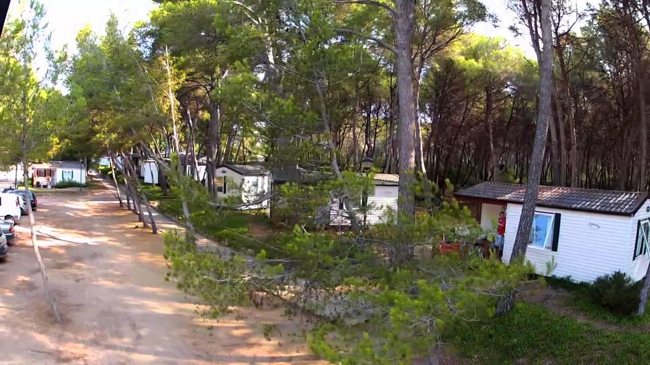 Camping las palmeras youtube for Camping tarragona piscina cubierta
