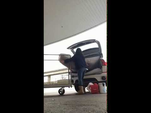 How to fit a Queen Size Mattress in an SUV - on your own! (Time lapse)