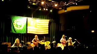 Chris Robinson Brotherhood - Beggar's Moon (live clip)