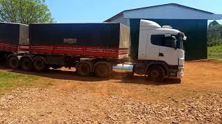 Manobrando Scania Rodotrem