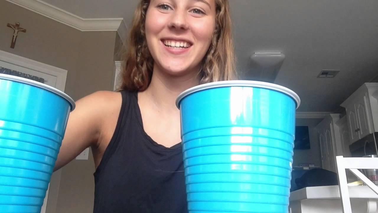 1 GIRL 2 CUPS