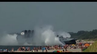 555 Ton Russian Navy Hovercraft Lands On Busy Beach HD Full Footage!