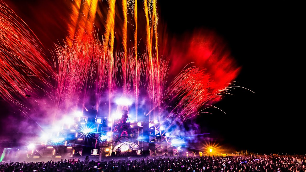 Q-BASE 2015 | Official Q-dance Aftermovie - YouTube