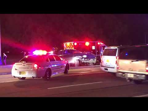 Raw: Crash with injuries at Fruitville and McIntosh roads in Sarasota County