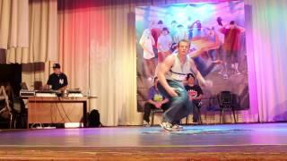 Bboy Serg (HBTC) Judges Showcase| Hot Sneakers(17 мая г. Красноград (Харьковская область), Брейкданс фестиваль Hot Sneakers https://vk.com/hot.sneakers., 2014-08-14T12:49:18.000Z)